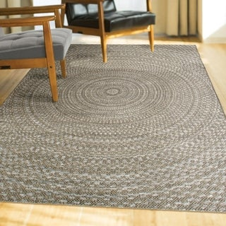 "Indoor/Outdoor Circles Azure Swirl Gray Area Rug (5'1"" x 7'6"")"