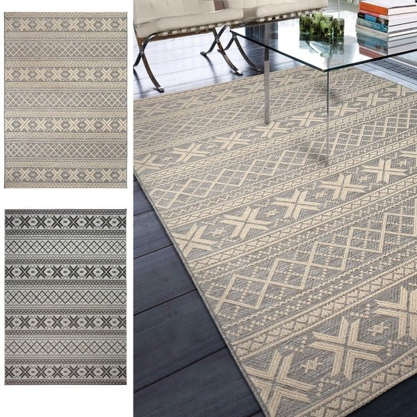 "Indoor/Outdoor Stripes Crossing Tides Area Rug (7'7"" x 10'10"")"