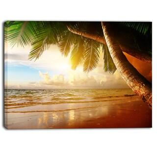 Designart - Caribbean Beach Sunrise - Landscape Photo Canvas Art Print