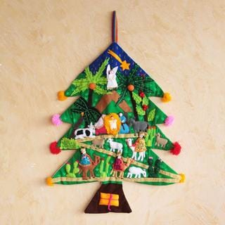 Handcrafted Applique 'Happy Nativity Scene' Wall Hanging (Peru)