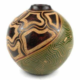 Handmade 4-inch Round Vase - Tortoiseshell Design (Nicaragua)