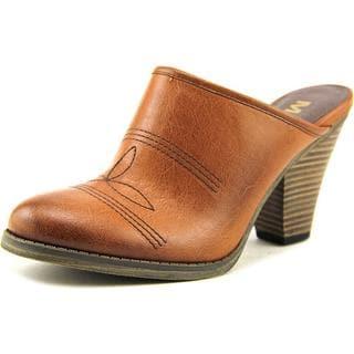 Mia Women's 'Crimson' Faux Leather Casual Shoes