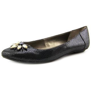 Tahari Women's 'Bilboa' Leather Dress Shoes