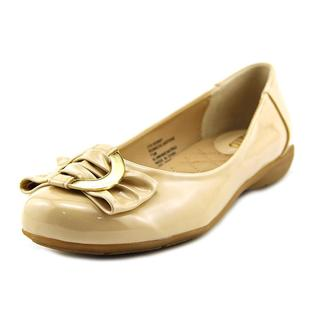 Rialto Women's 'Gladstone' Patent Dress Shoes