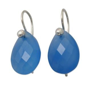 Handcrafted Sterling Silver 'Halcyon Days' Chalcedony Earrings (India)