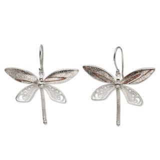 Handcrafted Sterling Silver 'Poised Dragonflies' Earrings (Peru)
