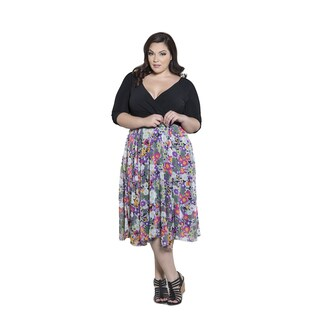 Sealed with a Kiss Women's Plus Size Diana V neck Dress