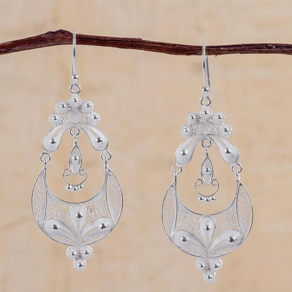 Handmade Sterling Silver 'Crescent Moon Bloom' Earrings (Peru) 17601054