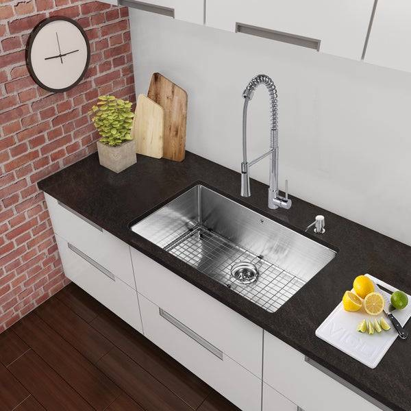 VIGO All-In-One 30 Mercer Stainless Steel Undermount Kitchen Sink Set With Laurelton Faucet In Chrome 17626973