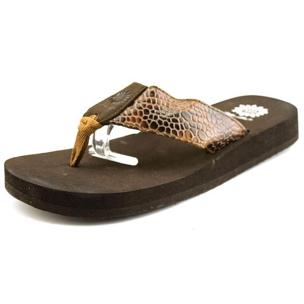 Yellow Box Women's 'Yumo' Synthetic Sandals