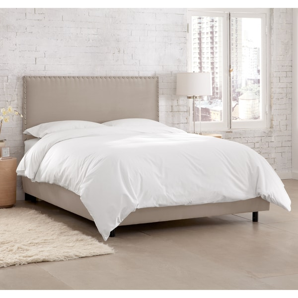 Skyline Furniture Premier Platinum Nail Button Border Bed