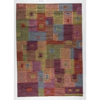 Hand-woven Khema8 Multicolored Rug (5'6 x 7'10)