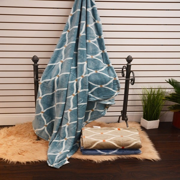 Anna Ricci Velvet Plush Heavy Fleece Throw