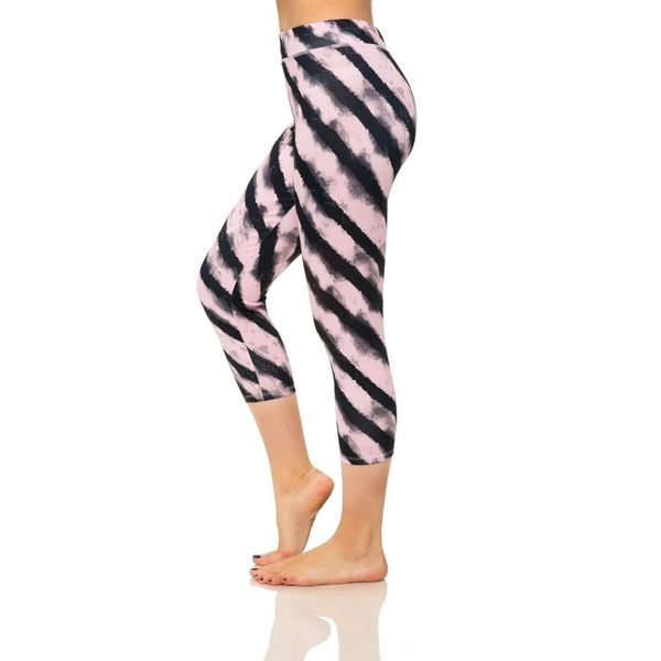 S2 Sportswear Women's Tiger Print Workout Capris 17791374