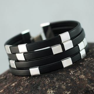 Handcrafted Sterling Silver Leather 'Code Black' Bracelet (Peru)