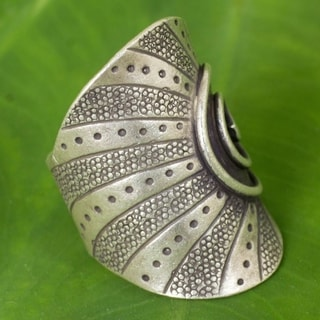 Handcrafted Silver 'Karen Rising' Ring (Thailand)