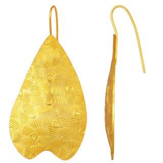 Elegent Design Gold Plated Brass Earring