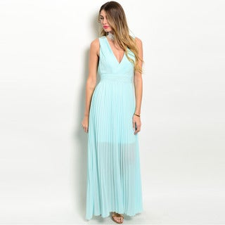 Shop the Trends Women's Sleeveless Chiffon Gown with Plunging Neckline and Partial Lining