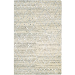 Hand-Knotted Couristan Casbah Sikar/Natural-Ivory Undyed Wool Rug (8' x 11')