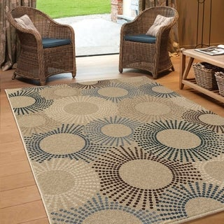 "Carolina Weavers Indoor/Outdoor Sunburst Water Beige Area Rug (7'8"" x 10'10"")"