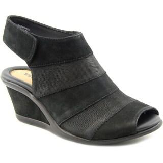 Earth Women's 'Coriander' Nubuck Sandals