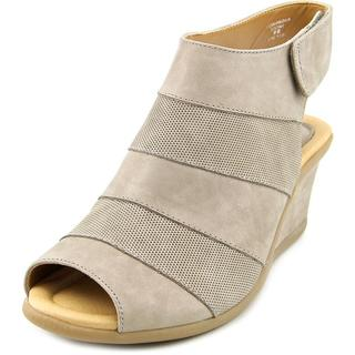 Earth Women's 'Coriander' Leather Sandals