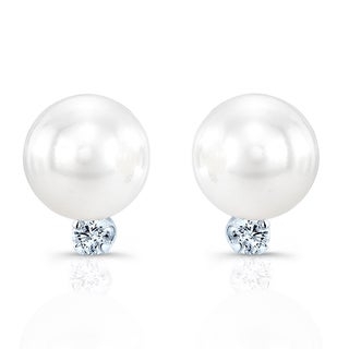 14k White Gold 1/5ct TDW Diamond and Cultured Akya Pearl Earrings (H-I, SI1-SI2)