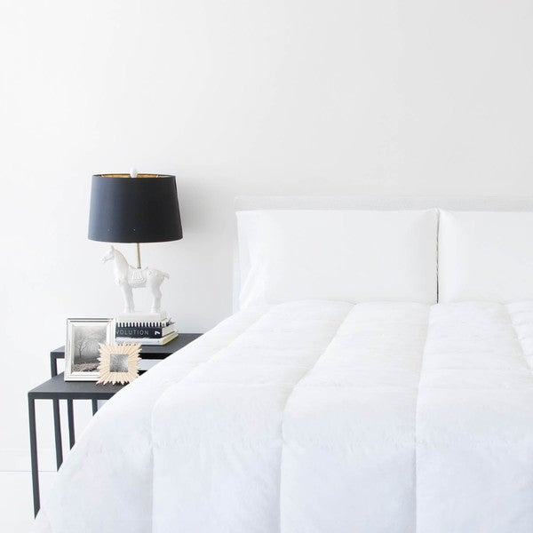 Woven All-Season Down Blend White Comforter Oversized Queen Size (As Is Item)