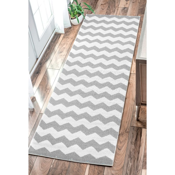 nuLOOM Geometric Chevron Kids Grey Runner Rug (2'7 x 8')