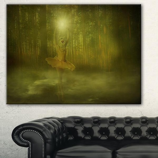 Designart - Dance of the Sun Landscape - Photo Canvas Art Print