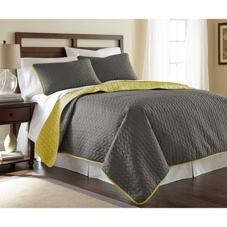 Leaf Solid Reversible Quilted 3-piece Coverlet Set