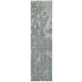 Herat Oriental Indo Hand-tufted Tibetan Light Blue/ Blue Wool Runner (2'8 x 10')