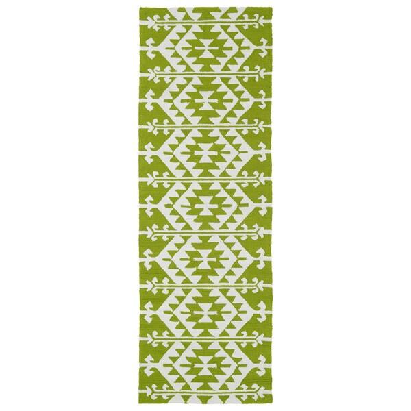 Seaside Lime Green Global Indoor/Outdoor Rug (2'6 x 8'0)