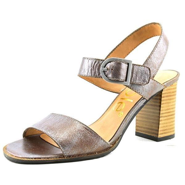 Nicole Women's 'Bonny' Grey Leather Sandals