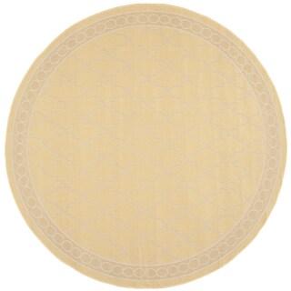Safavieh Indoor/ Outdoor Courtyard Yellow/ Beige Rug (6' 7 Round)