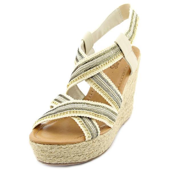 Carlos Santana Women's 'Corelle' Lace Sandals