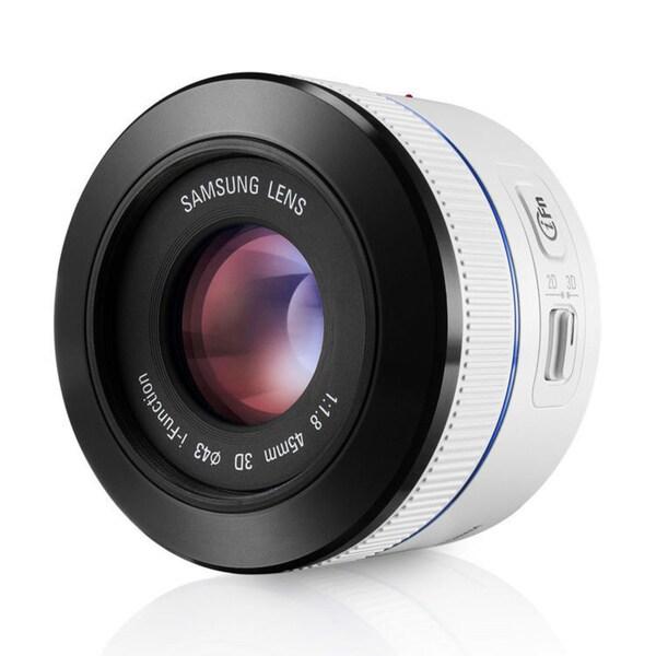 Samsung 45mm f/1.8 [T6] 2D/3D Lens (White)