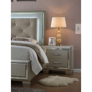 Glamour 2-drawer Contemporary Nightstand