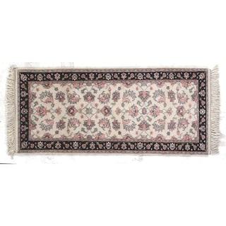 Indo Kashan Ivory New Zealand Wool Rug (2'8 x 5'8)