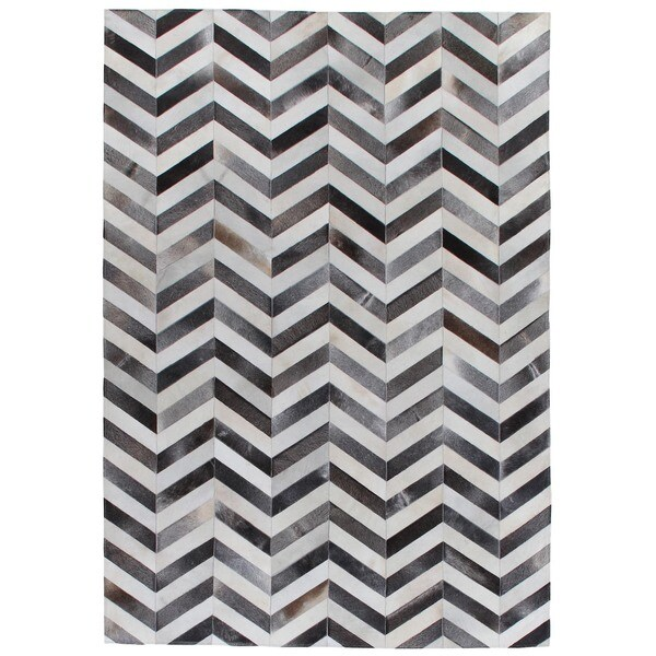 Chevron Hide Grey / White Leather Hair-on Hide Rug (5' x 8')