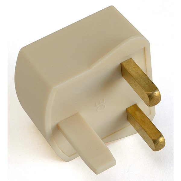Black Point Products Inc VC-035 Foreign Adapter Plug US to UK Type