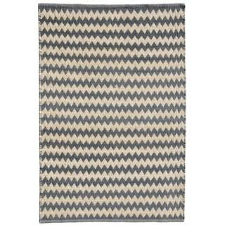 Hand-woven Chevron Grey Jute Rug (8' x 11')