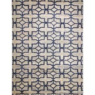 Sari Silk Garry Beige/Blue Hand-knotted Viscose Rug (9'0 x 12'1)