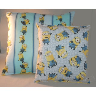 Lillowz Universal Minions Reversible 14-inch Throw Pillow with Bonus Travel Pillow