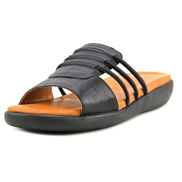 Gentle Souls Women's Gail Black Leather Sandals