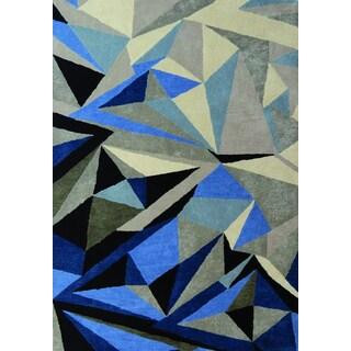 Maeve Blue/ Grey Triangle Rug (5'3 x 7'7)