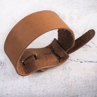 Handcrafted Leather 'Nazca Tan' Bracelet (Peru)