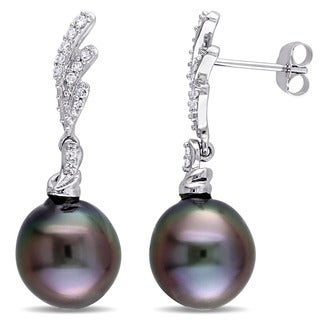 Miadora Signature Collection 14k White Gold Black Tahitian Pearl and 1/5ct TDW Diamond Twist Drop Earrings (G-H, SI1-SI2)