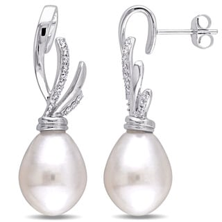 Miadora Signature Collection 14k White Gold White Cultured South Sea Pearl and 1/6ct TDW Diamond Twist Earrings (G-H, SI1-SI2)