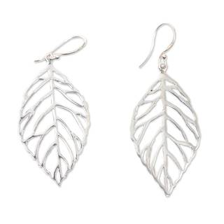 Handcrafted Sterling Silver 'Bali Bay Leaf' Earrings (Indonesia)